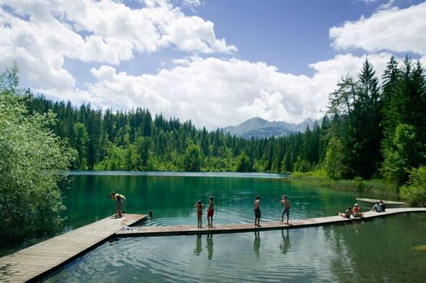 Der Caumersee ist ein Bergsee in Graubünden.