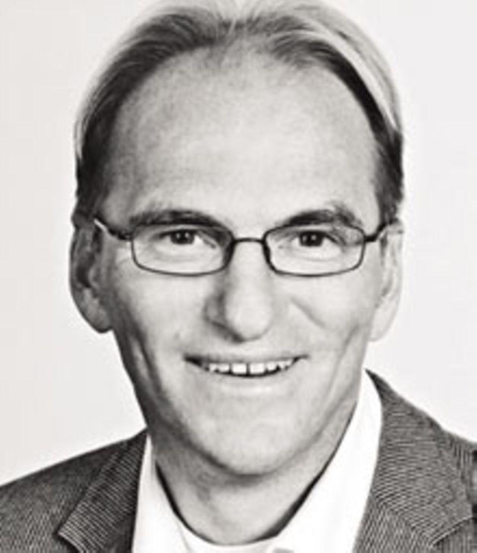 Dr. Peter Becker, Facharzt für Psychiatrie, Psychotherapie und Suchtmedizin aus Hamburg, bietet eine spezielle abstinenzorientierte Psychotherapie an.