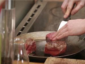 Fleisch: Steaks braten