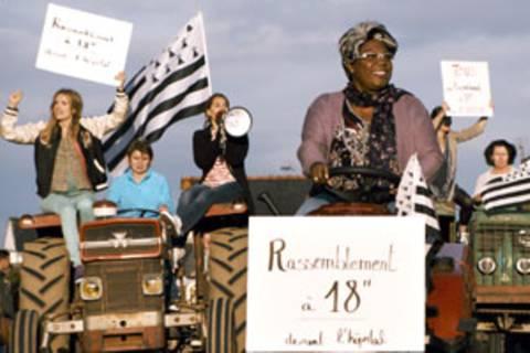 Das ganze Dorf protestiert gegen die Schließung der unrentablen Geburtenstation.