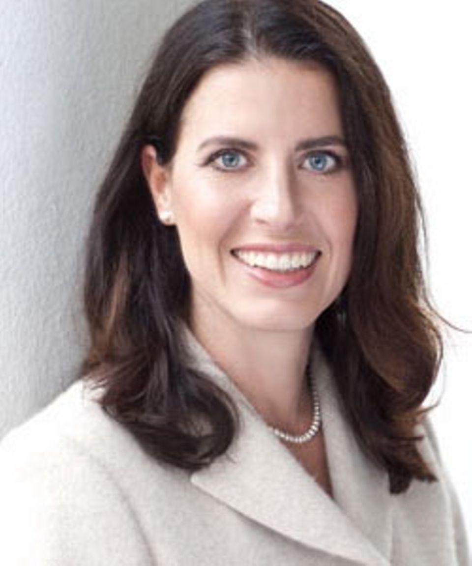 """Brigitte Susanne Pöpel, 45, war 25 Jahre lang FDP-Mitglied und zuletzt Vorsitzende der Liberalen Frauen in Hessen. Enttäuscht über die FDP-Politik und """"den frauenfeindlichen Ton"""" trat sie aus der Partei aus. Die Steuerberaterin hat zwei Kinder und sitzt heute als Parteilose im Wiesbadener Stadtparlament."""