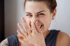 Schweißgeruch – diese Hausmittel helfen gegen Schwitzen