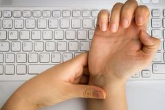 """""""Lebenslinien"""" am Handgelenk können anzeigen, wie deine Zukunft aussieht"""