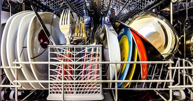 Geschirrspuler Mit Diesem Spulmaschinen Fehler Verschwenden Wir