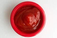 Darum solltet ihr euren Schmuck in Ketchup legen