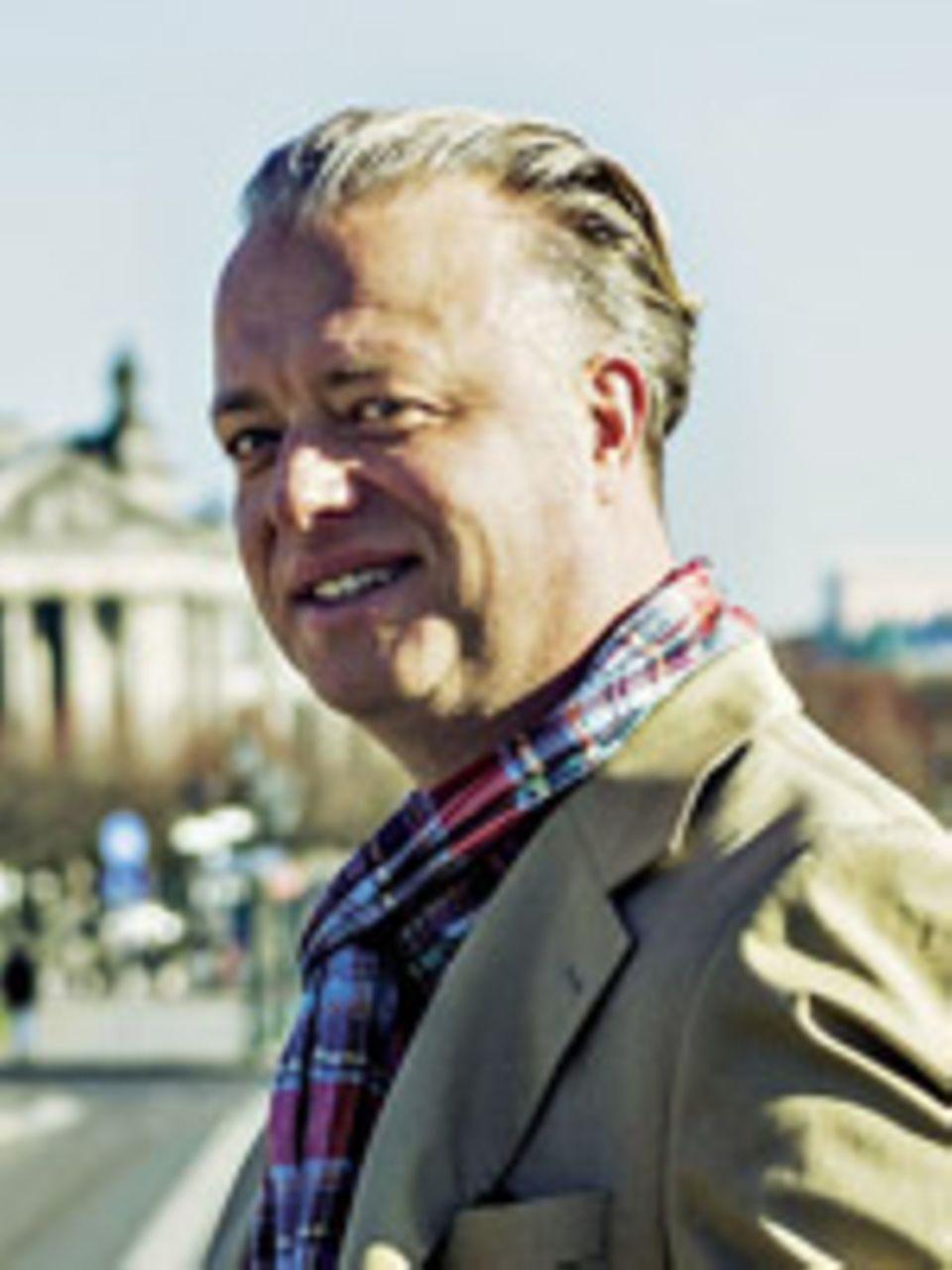 Dr. Christoph J. Ahlers