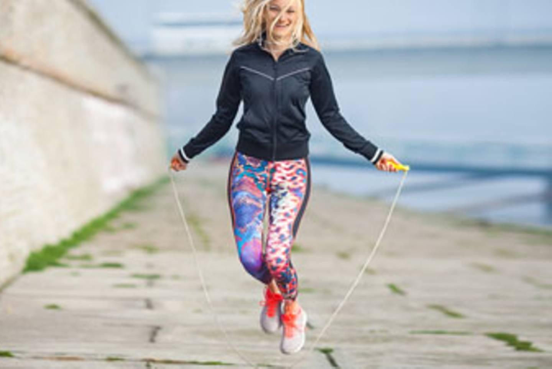 Videos, wie man Seil springt, um Gewicht zu verlieren