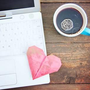 Ist es seltsam, Online-Dating auszuprobieren Geschwindigkeit von 2 Juegos