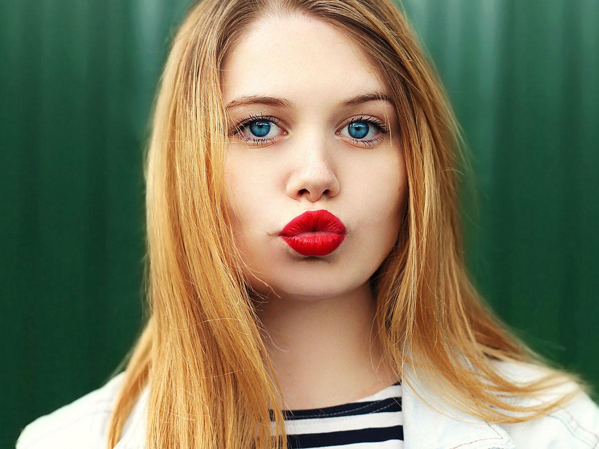 Mit diesem Trick wird dein normaler Lippenstift edel und matt