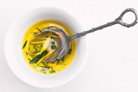 4 Gründe, warum wir mehr Olivenöl essen sollten
