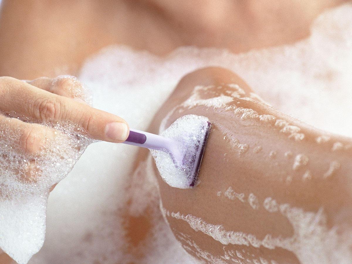 Mit diesen Tricks musst du dich seltener rasieren