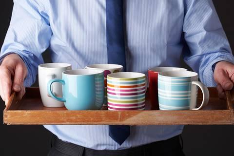 Jede fünfte Büro-Tasse ist voll mit Darm-Bakterien - und daran liegt's!