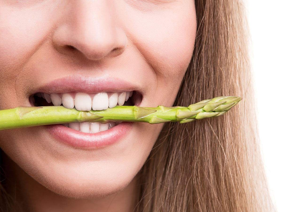 Darum riecht dein Urin nach dem Spargelessen