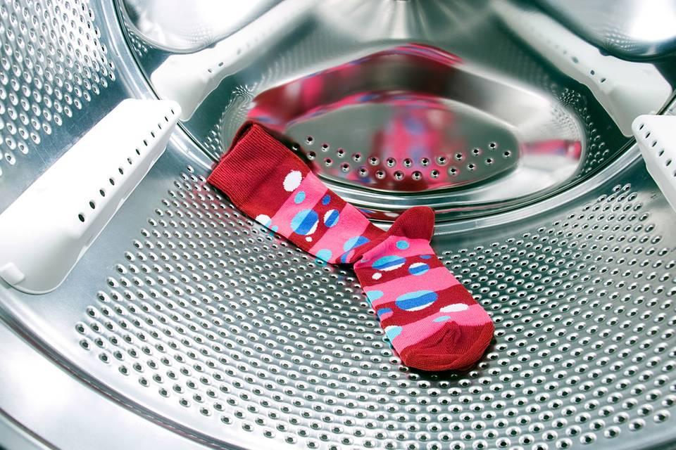 Dahin verschwinden Socken in der Waschmaschine wirklich!