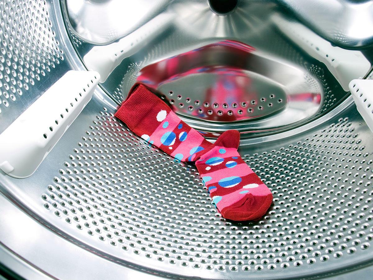 gekl rt dahin verschwinden socken in der waschmaschine wirklich. Black Bedroom Furniture Sets. Home Design Ideas