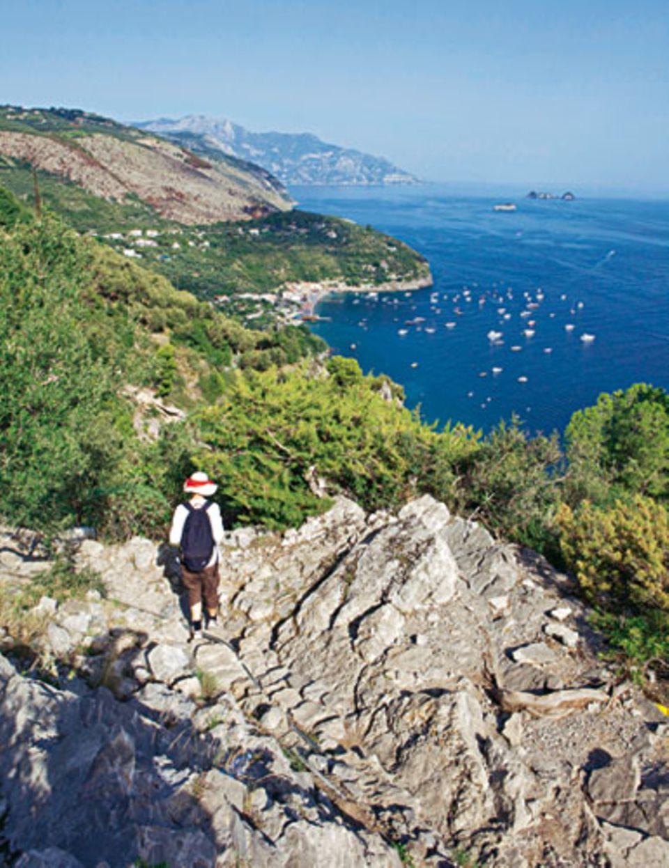 Berückende Aussichten auf einer Wanderung auf alten Maultierpfaden der Sorrentiner Halbinsel