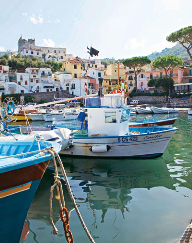 Zu schön, um nur im Boot vorbeizuschaukeln: die Marina della Lobra auf der Sorrentiner Halbinsel