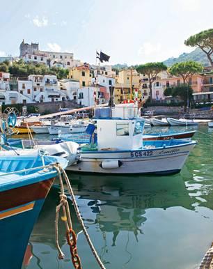 Italien: Zu schön, um nur im Boot vorbeizuschaukeln: die Marina della Lobra auf der Sorrentiner Halbinsel