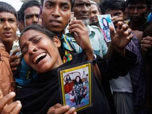 Kampagne für Saubere Kleidung: Verzweifelte Familienangehörige warten Tag für Tag auf Rettung ihrer Verwandten