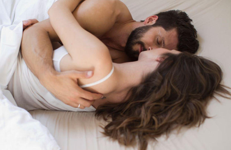 Keine Lust auf Sex, weil Ihnen die Sicherheit fehlt? Der Tipp vom Paartherapeuten