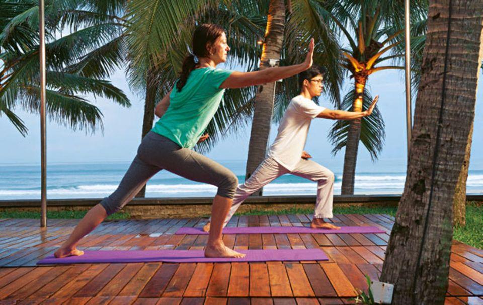 Gute Energie: Thai-Chi vor dem Frühstück am Strand macht wach und einen Bärenhunger.