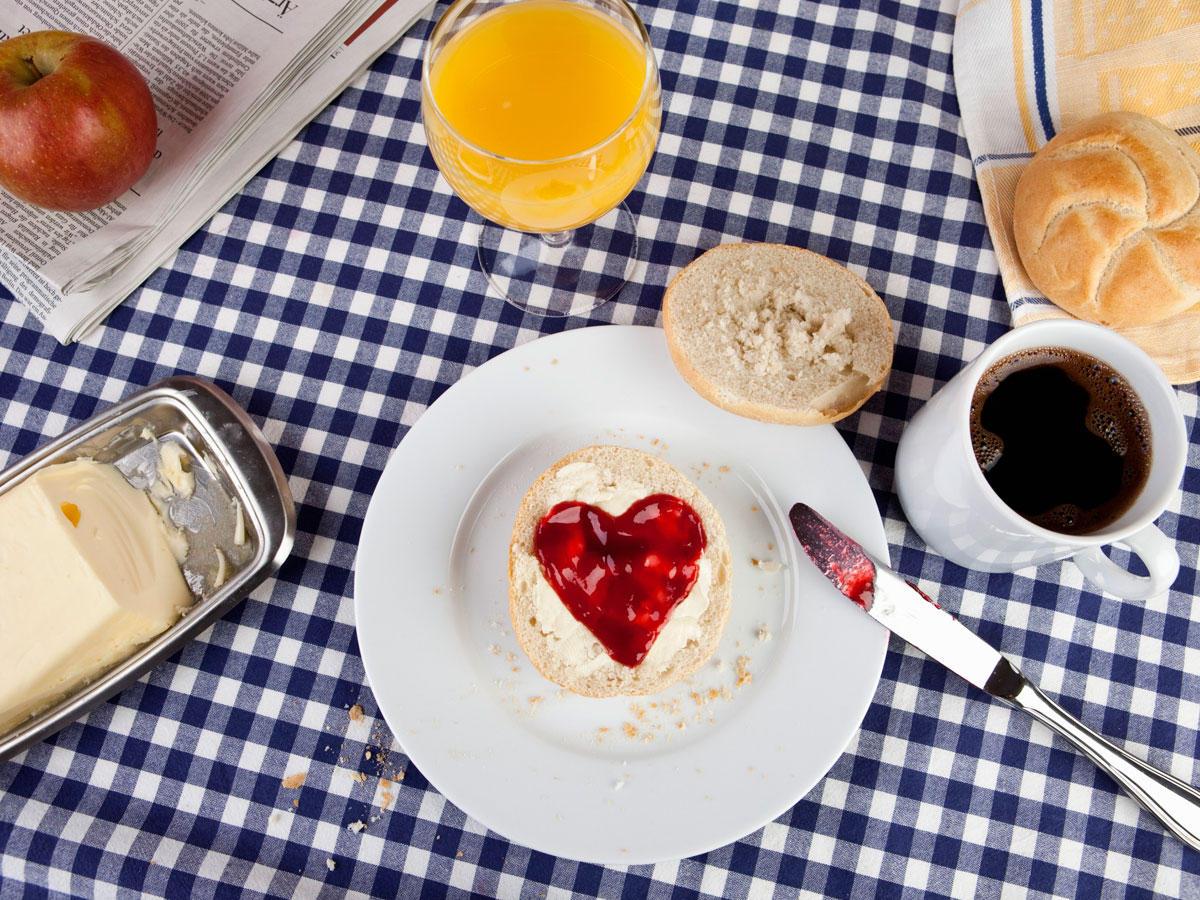 Fr hst ck zum valentinstag romantische ideen mit herz for Romantische geschenke selber machen