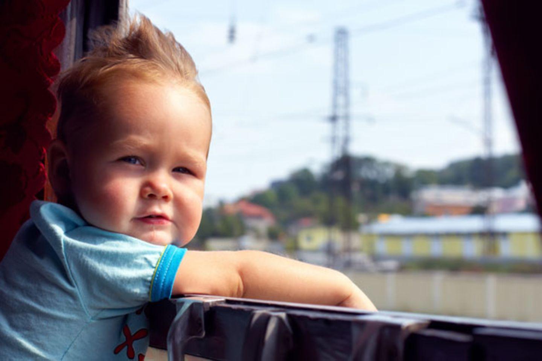 16 Dinge, die man beim Bahnfahren mit Baby lernt
