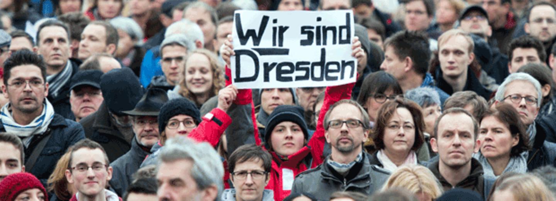 Zehntausende gingen bei der Pegida-Gegendemonstration am 10. Januar in Dresden auf die Straße.