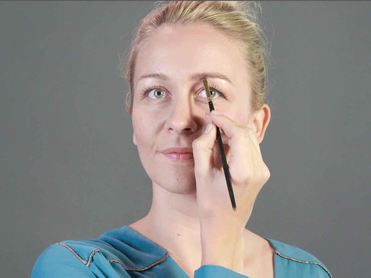Beauty 1x1 Augenbrauen Schminken So Gelingt Das Betonen