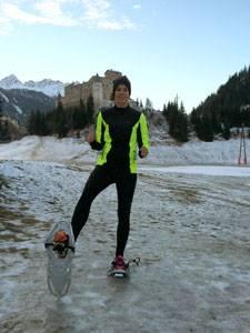 Schneeschuh-Running: Ausgepowert, aber glücklich: Daniela Stohn nach ihrer ersten Laufrunde auf Schneeschuhen.