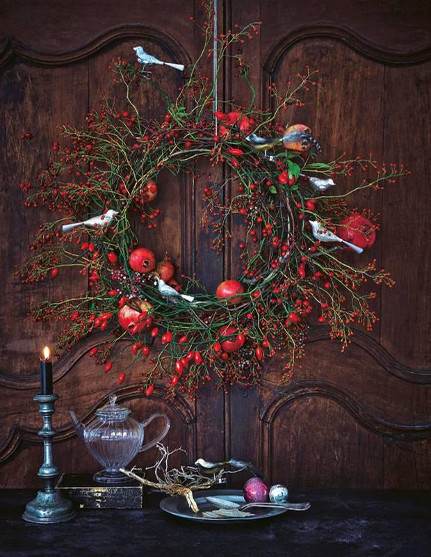 Weihnachtsdeko einen t rkranz f r weihnachten basteln for Pinterest basteln weihnachten