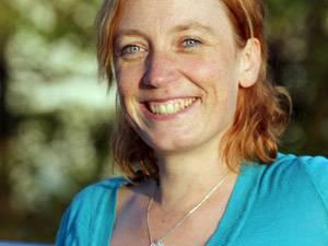 """Christine Kutzschbauch, 34, arbeitet als kaufmännische Angestellte. Ihren Job als Justizvollzugsbeamtin hat sie nach zehn Jahren gekündigt, """"um endlich wieder frei zu sein"""". Sie lebt mit ihrem Freund und drei """"bezaubernden"""" Katzen in Hildesheim und bloggt in ihrer knappen Freizeit auf www.christine1980.blogspot.de."""