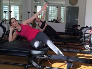 Fitnesskurs: Besonders fies: die seitlichen Crunches