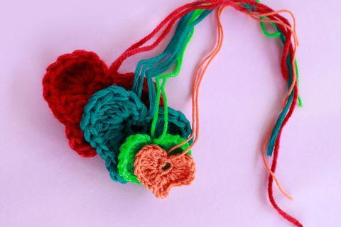 Herz häkeln - kleine Liebesbotschaft aus Wolle