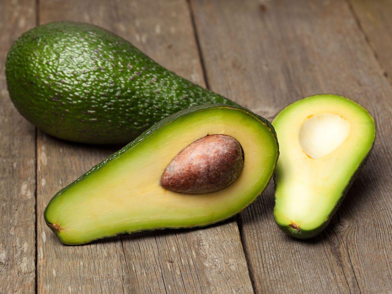 Nie wieder brauner Matsch: Mit diesem simplen Trick bleibt jede Avocado frisch