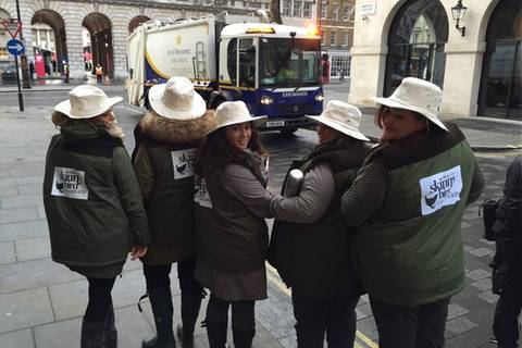 Wie ein Plus-Size-Label schlanke Frauen auf der Straße diskriminiert