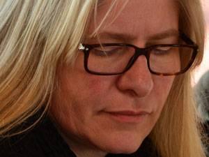 """Integration: Susanne Witt arbeitet und lebt im Rheinland. Unter dem Pseudonym """" """"Berta Löwe"""""""" veröffentlicht die fünffache, alleinerziehende Mutter Satiren, wie beispielsweise """"Erfolgreiche Rabenmutter"""" und die Online-Satirezeitschrift """"WESPA - Satire für Frauen""""."""
