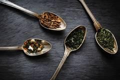 Warum schmeckt Tee oft bitter?