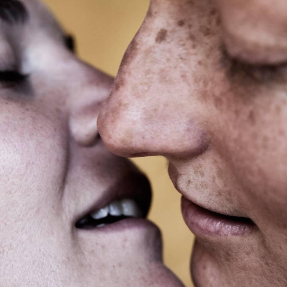 """Wir küssen uns gegen Homophobie"""