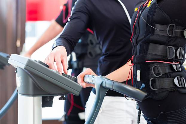 EMS-Training: Fitness für Faule im Selbstversuch