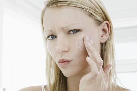 Mineralöle in Kosmetik - wie gefährlich sind sie?