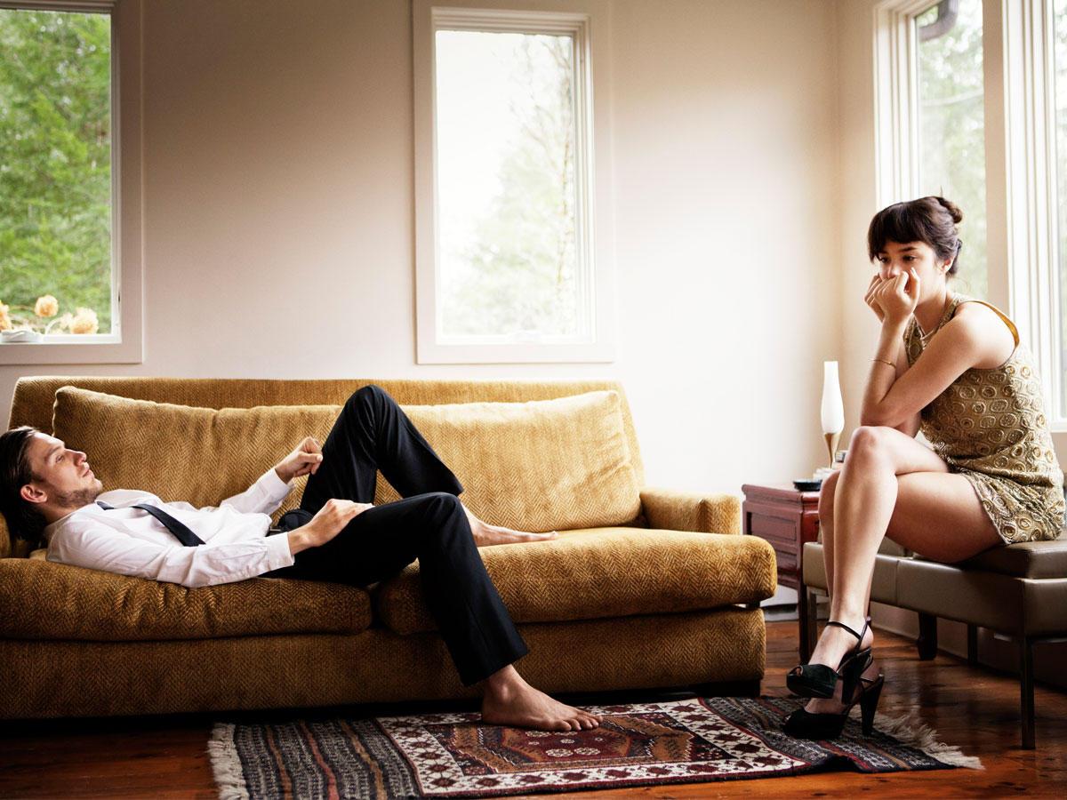 8 Zeichen, dass du mit der falschen Person zusammen bist