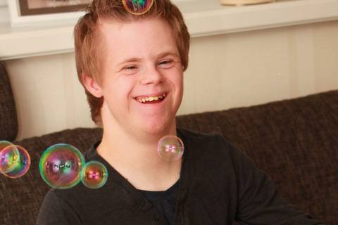 Der Junge, der nicht leben sollte, wird 18
