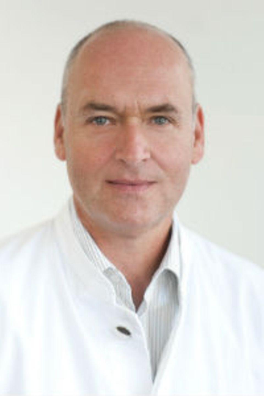 Dr. med. Jens Alm leitet die Gefäßabteilung im Hamburger Dermatologikum.