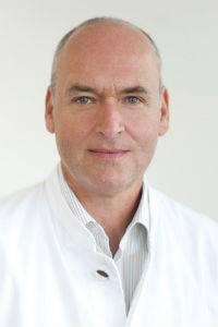 Gesundheit: Dr. med. Jens Alm leitet die Gefäßabteilung im Hamburger Dermatologikum.