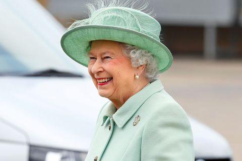 So süß gratuliert die Queen ihrem Sohn zum 70. – und spricht über Thronfolge