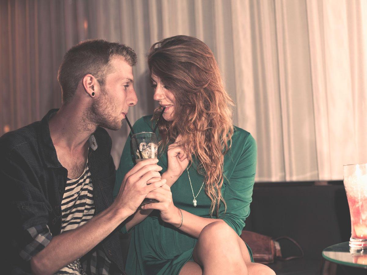 5 Fragen, die ihr beim 1. Date besser nicht stellt