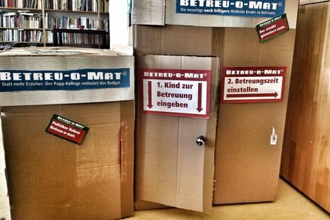 Kinder im Karton: So kreativ werden Eltern im Kita-Streik