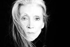 Topmodel Eveline Hall startet als Musikerin durch