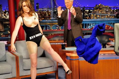 Na, was trägt Frau wirklich unterm Kleid?